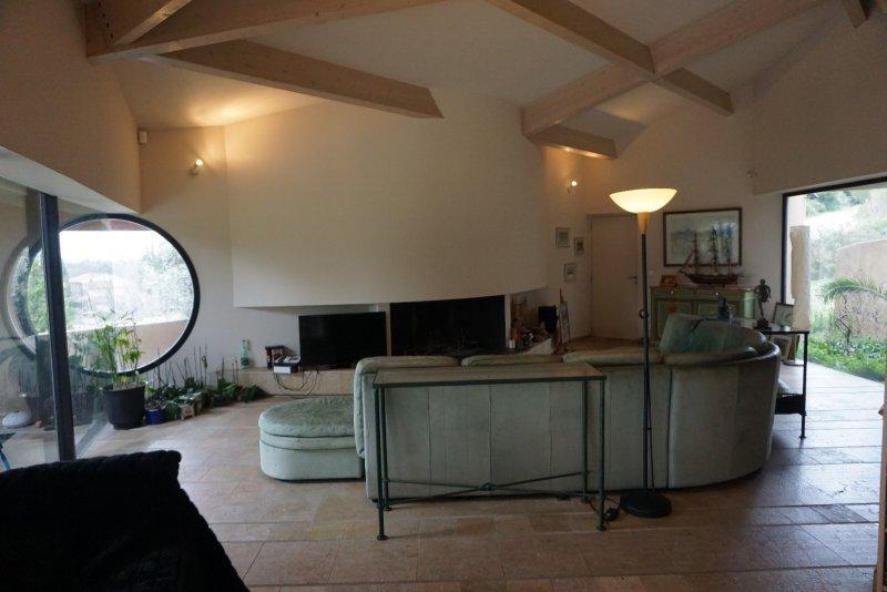 Vente maison 8 pieces de 231 m2 13090 aix en provence 209 for Acheter une maison aix en provence