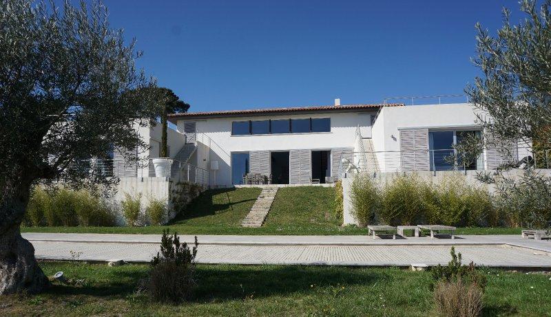 Maisons de provence vente maison villa 8 pices lancon for Acheter une maison aix en provence