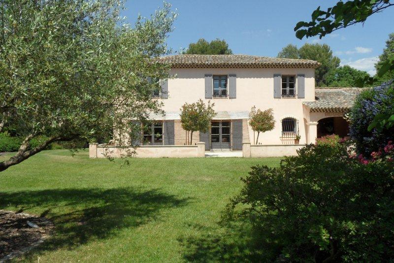 Vente bastide 8 pieces de 237 m2 13100 aix en provence - Bus salon de provence aix en provence ...
