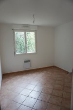 LE THOLONET, APPARTEMENT T3, TERRASSE, PARKING PRIVE