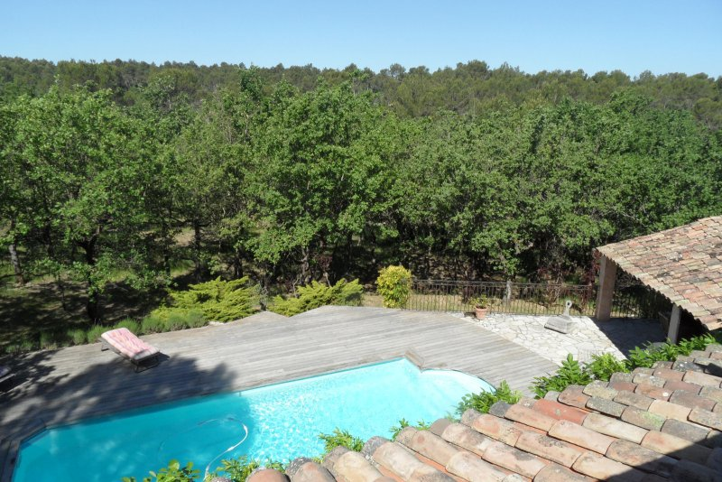 Vente maison 8 pieces de 250 m2 13710 fuveau 321 fuveau for Piscine fuveau